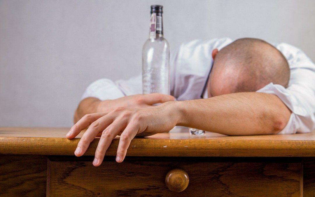 ¿Por qué beber alcohol no te ayudará a superar tu eyaculación precoz?
